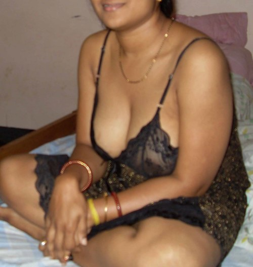 Hot Indian Desi Bhabhi