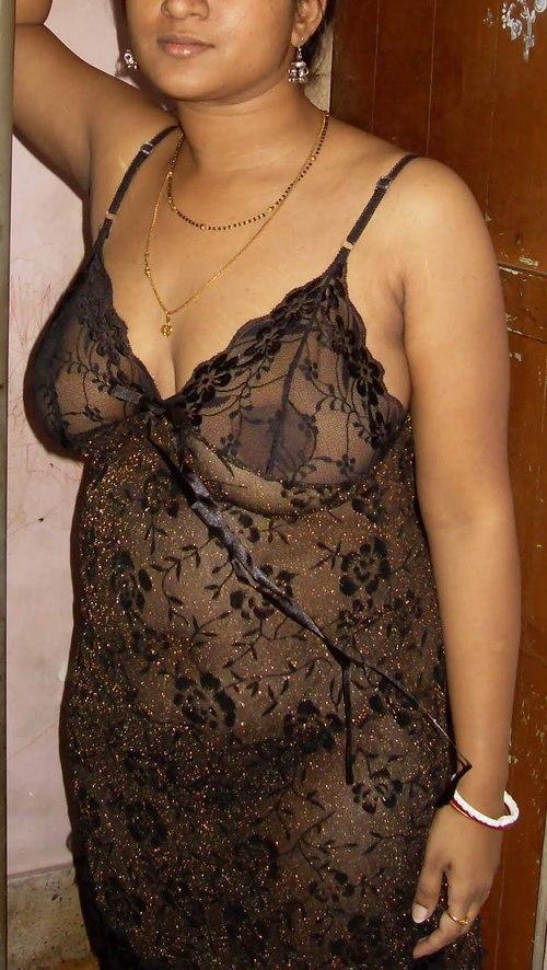 Hot Indian Desi Bhabhi