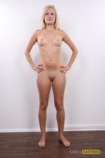 Sandra (24) 02/02/2012