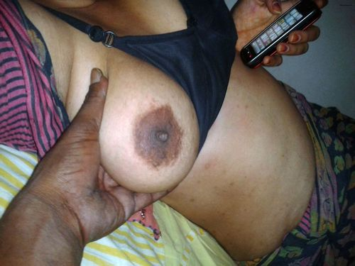 indian wife showing boobs