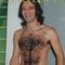 le sportif est nu, viril, poilu, plein de testostérone, il est excité