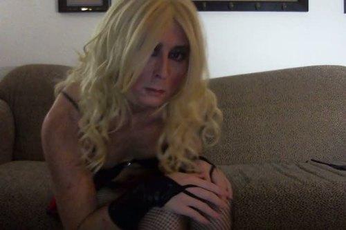 Les travestis les plus cochons dans du porno à la webcam
