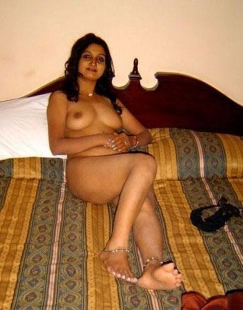 Nude Indian Girls and Bhabhi Pictures