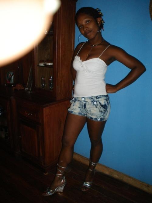 Encore la belle Tinah, la malgache au corps d'ange