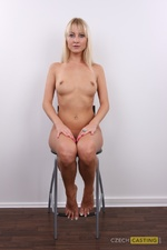 Zuzana (26) 19/11/2011