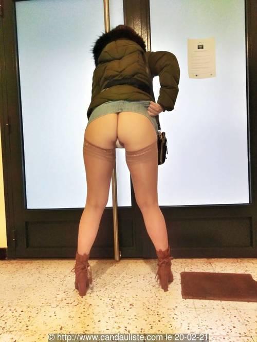 sous les jupes de val il y a?