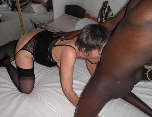 danielle PUTE A BLACK est aussi très soumise