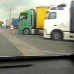papy livre femmes au routier