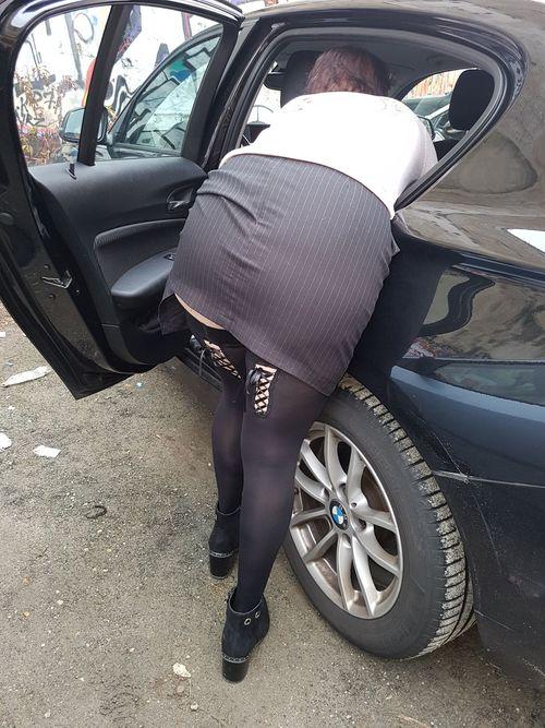 sous les jupes de Karen la bordelaise