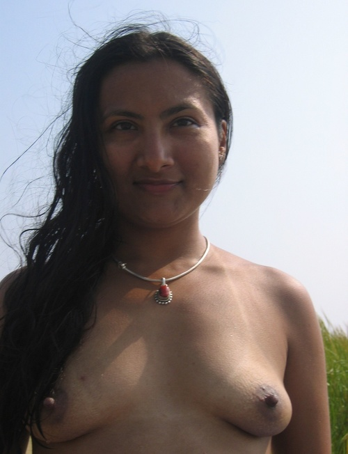 Desi Girl Getting Nude
