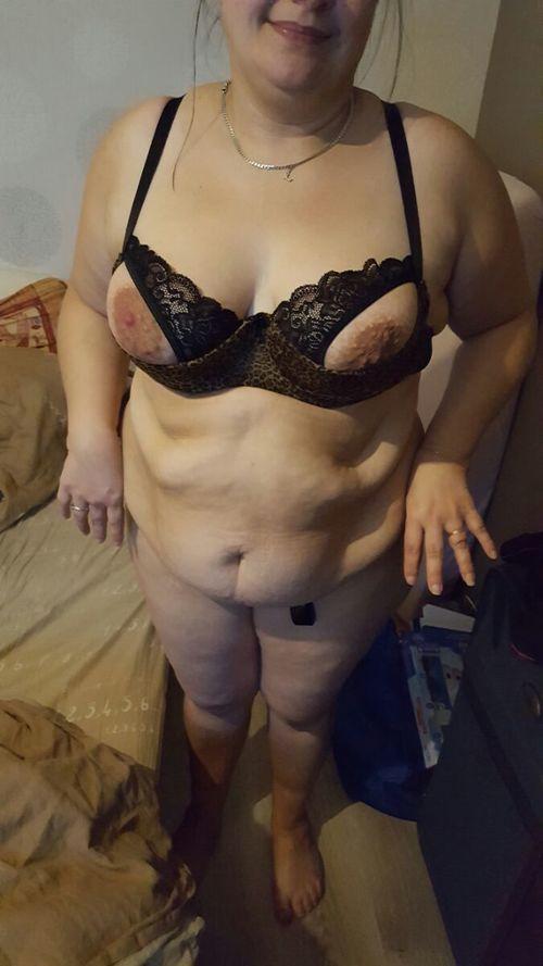 une nouvelle lingerie pour sabrina la truie