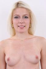 Sandra (18) 28/11/2011