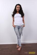 Michaela (25) 11/12/2011