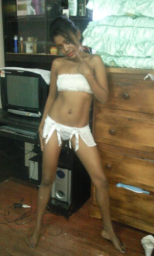 Dina, belle petite coquine malagasy