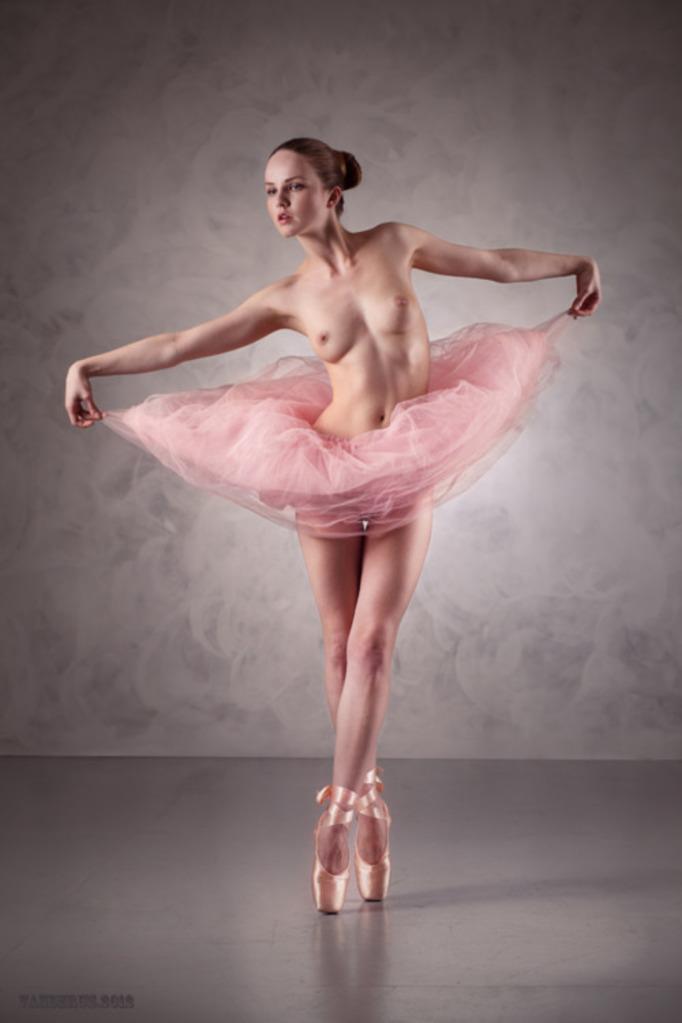 Danseuse.......