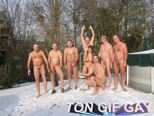 mecs nus dans la neige ttbm beau gosses