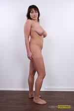 Lenka (31) 08/12/2011
