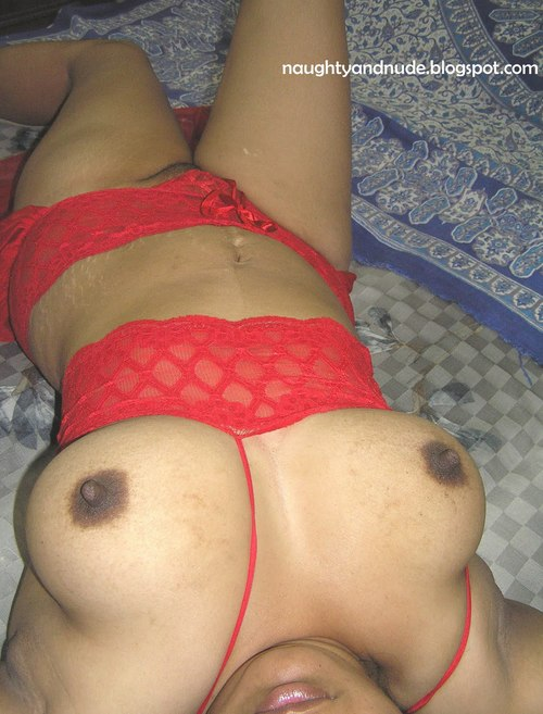 Desi Indian Sex | Desi Girl Showing Boobs