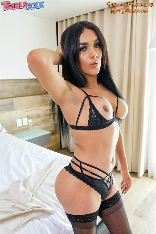 Penelope Pia