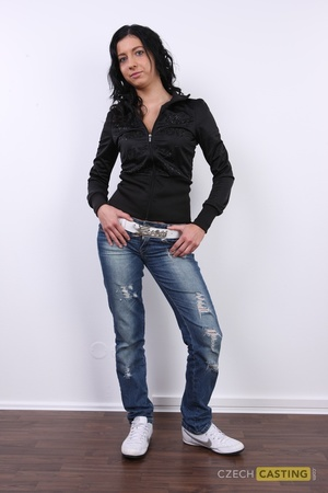 Zdenka (21) 30/10/2011