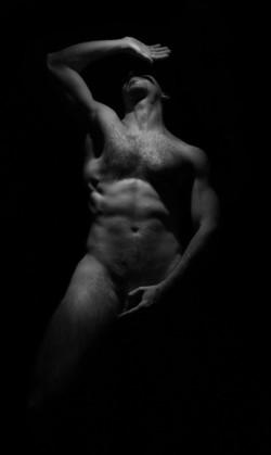 La beauté du corps nu dans le plus pur respect!
