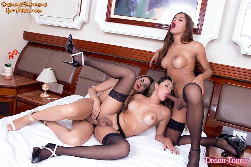Barbara Perez, Yasmin Fontes & Bella Atrix