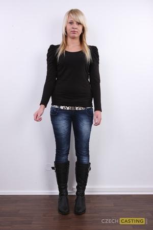 Denisa (24) 12/02/2012