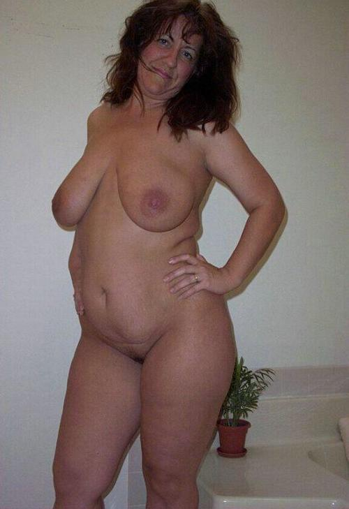 Ma Femme Toute Nue Avec Ses Gros Nibards Dame Bourgeoise Mature Chatte