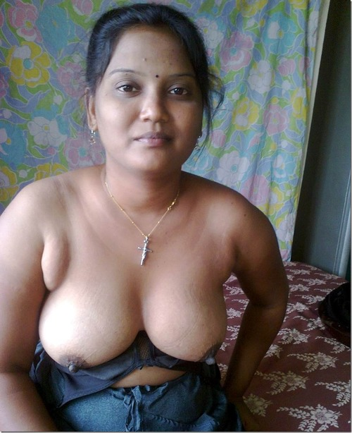 Desi Mallu Aunty Big boobs