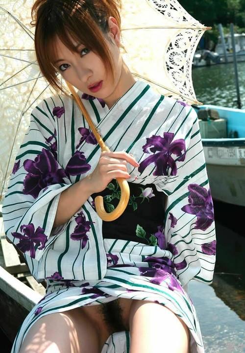 des superbes japonaises en kimono