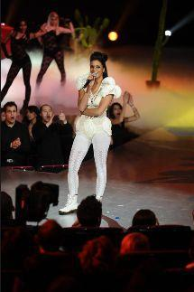 Shy'm seins nus aux NRJ Music Awards 2012