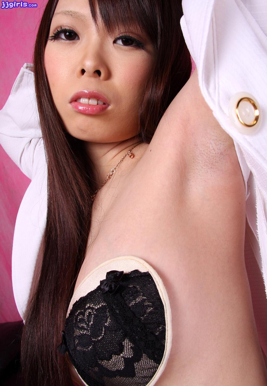 https://www.japanesebeauties.net/japanese/aki-tsugihara/4/aki-tsugihara-11.jpg