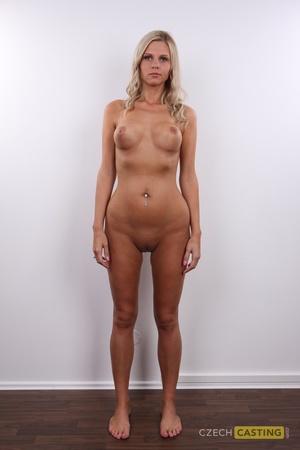Katerina (24) 30/10/2011