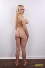 Veronika (20) 30/10/2011
