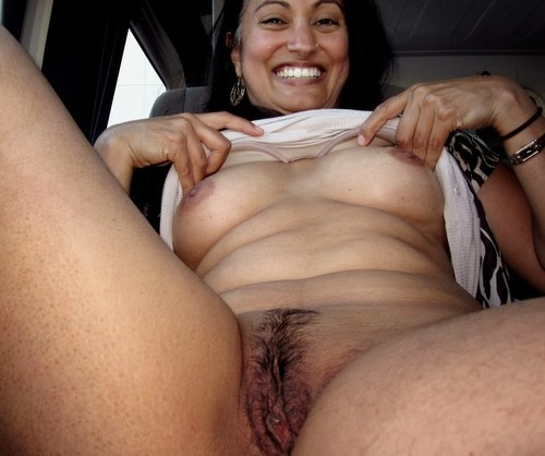 Desi Girl Getting Nude !!!