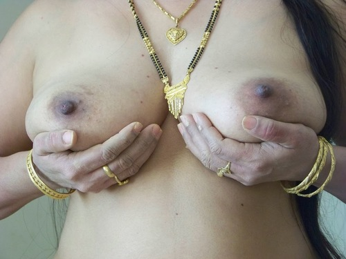 Nude Indian Showing