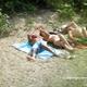 Une bande de jeune passe l'après-midi à la rivière