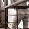 séance exhibition dans les couloirs de l'hôtel avec un beau mâle hétéro nu