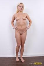 Katerina (32) 22/12/2011